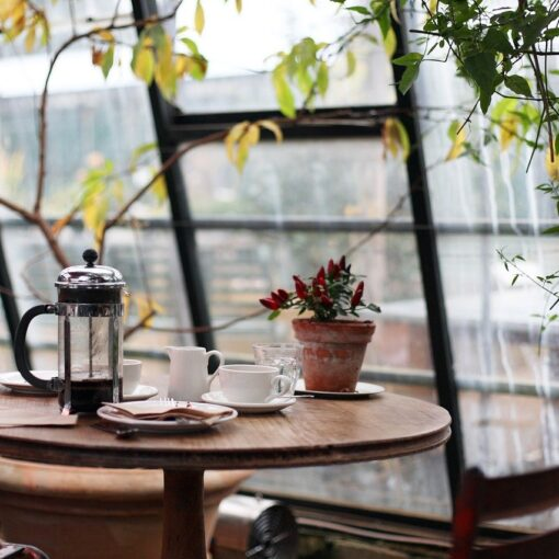 чиста витрина на кафене